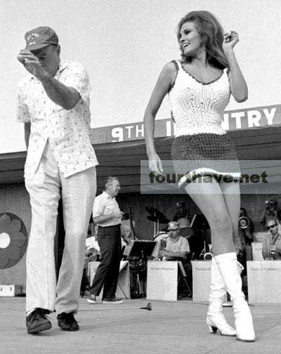 Raquel Welch and Bob Hope