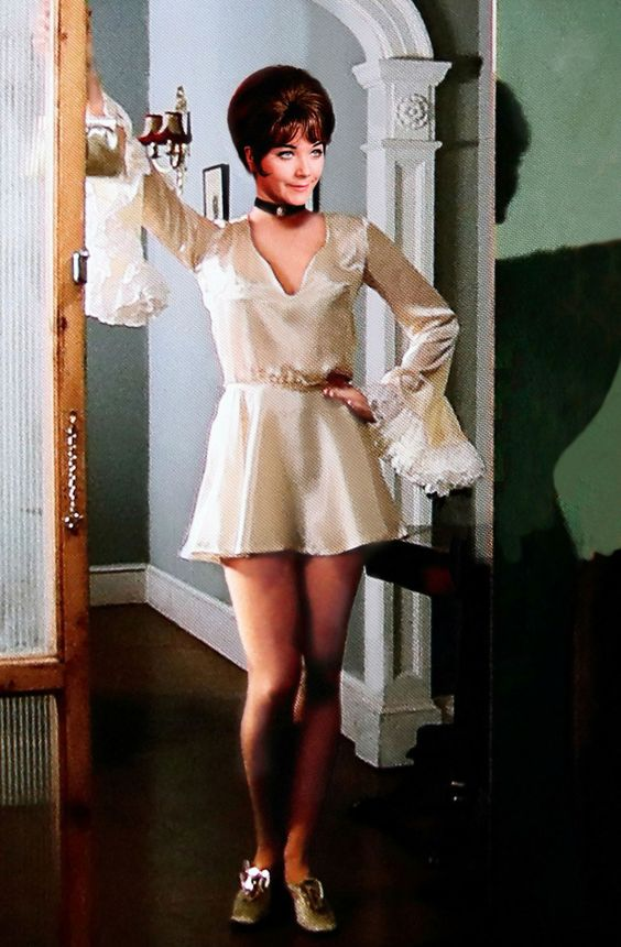 Linda Thorson in white