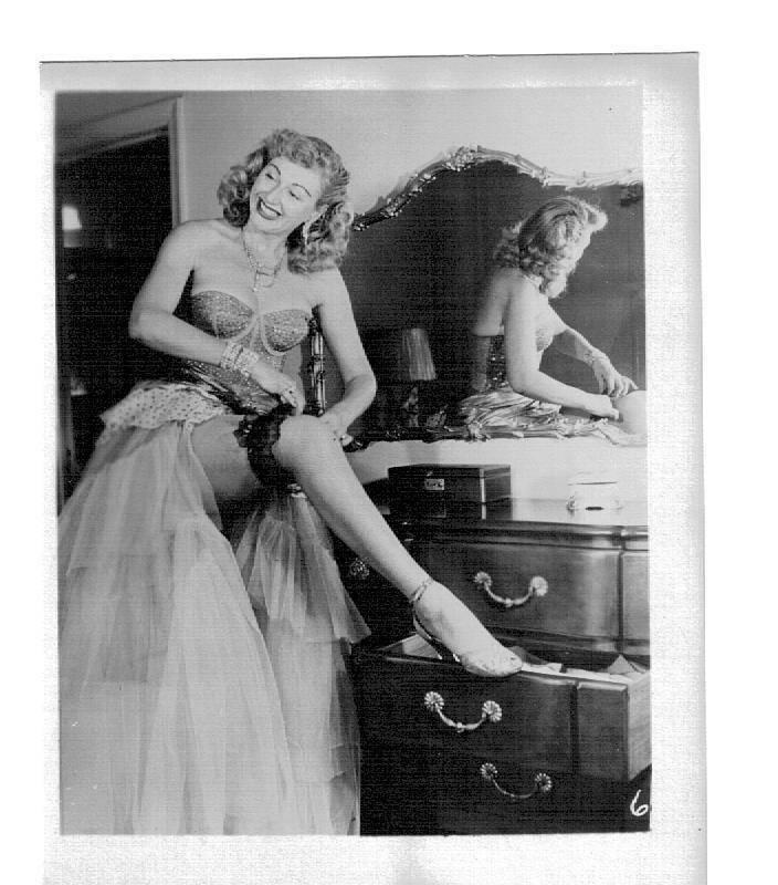 Lynne O'Neill Burlesque