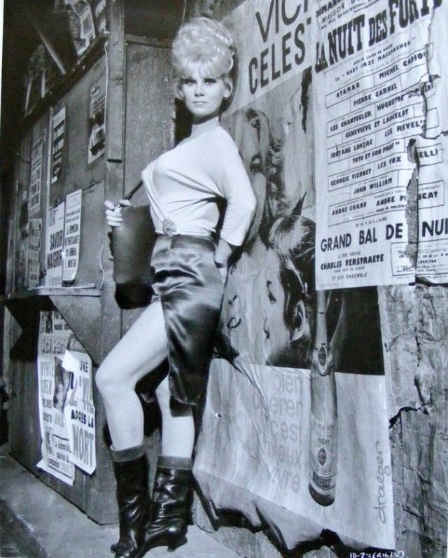 Grace Lee Whitney in Irma la dolce - 1963